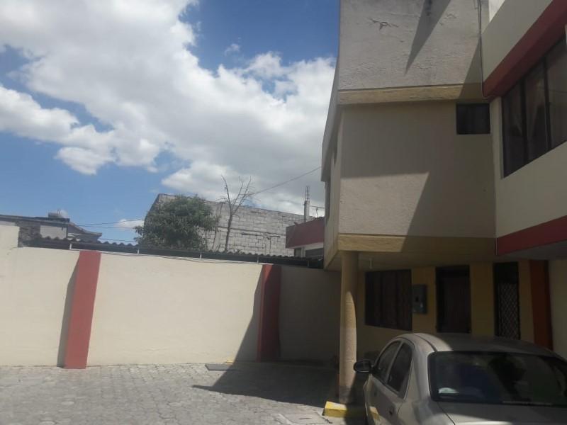 LANDING POINT Estudio Inmobiliario, Venta de Casa en Calderón   Quito