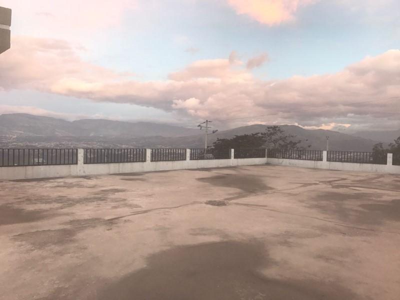 Landing Point Estudio Inmobiliario, Venta de Galpón en Nayón   Quito
