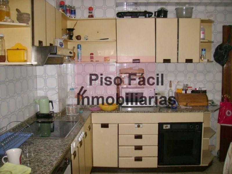Piso en venta con 125 m2, 3 dormitorios  en A Milagrosa (Lugo), Fontiñ