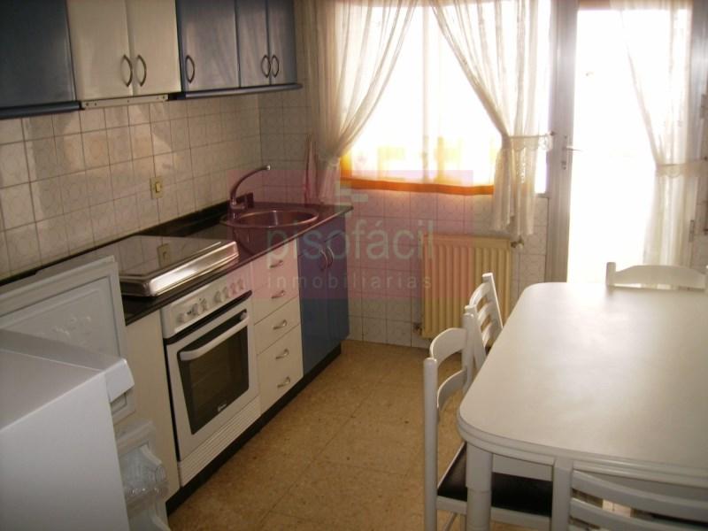 Piso en venta con 80 m2, 2 dormitorios  en A Milagrosa (Lugo), San Roq