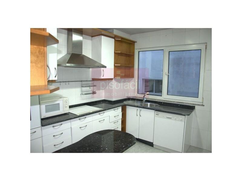 Piso en venta con 0 m2, 3 dormitorios  en A Milagrosa (Lugo), Fontiñas