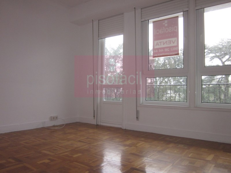 Piso en venta con 0 m2, 4 dormitorios  en A Milagrosa (Lugo), Parque d