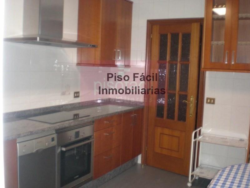 Piso en venta con 0 m2, 3 dormitorios  en A Milagrosa (Lugo), Avd Coru