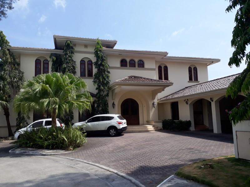 Venta de Casa 5 o mas ambientes en Panamá Juan Díaz