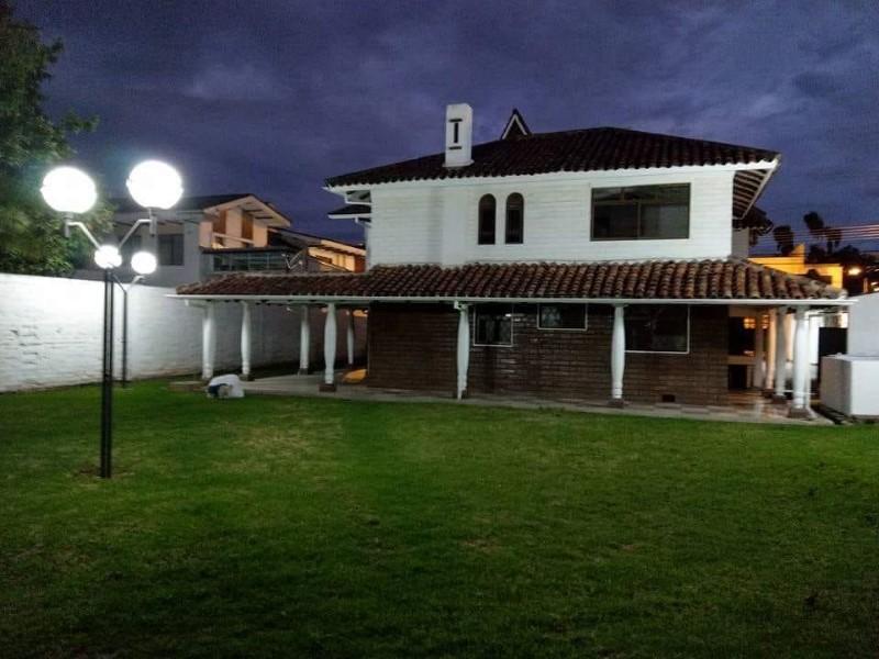 Alquiler de Casa 5 o mas ambientes en Cuenca