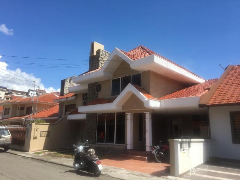 Alquiler de Casa 5 o mas ambientes en Cuenca Machángara