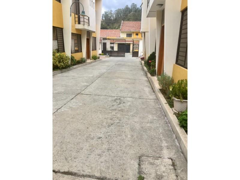 Alquiler de Casa 4 ambientes en Cuenca Machángara