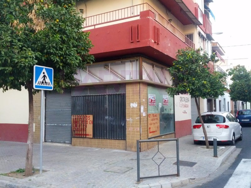 Local en venta con 100 m2,  en Sevilla, Sevilla