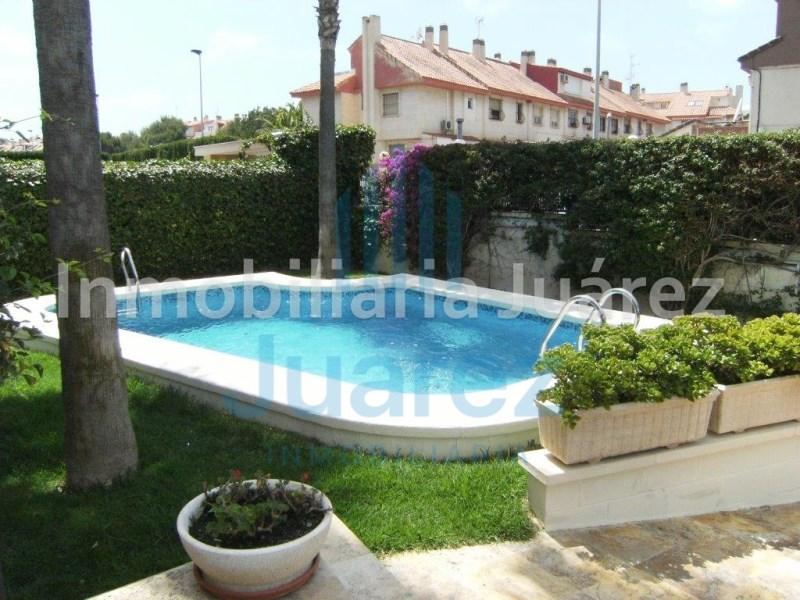Casa en venta con 390 m2, 5 dormitorios  en Alicante, Alicante/Alacant