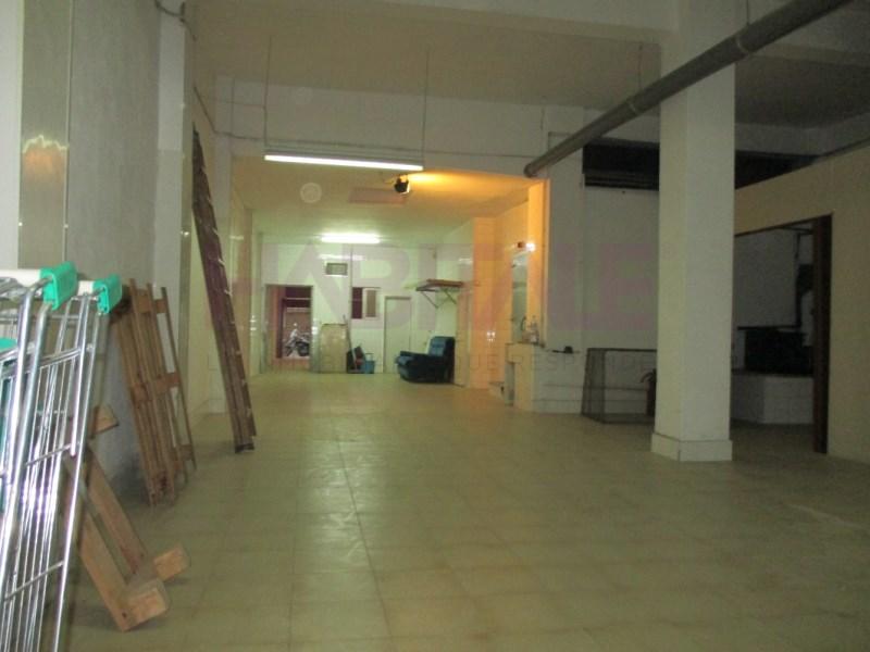 Local en alquiler larga duración con 140 m2,  en Jesus (Valencia), Jes