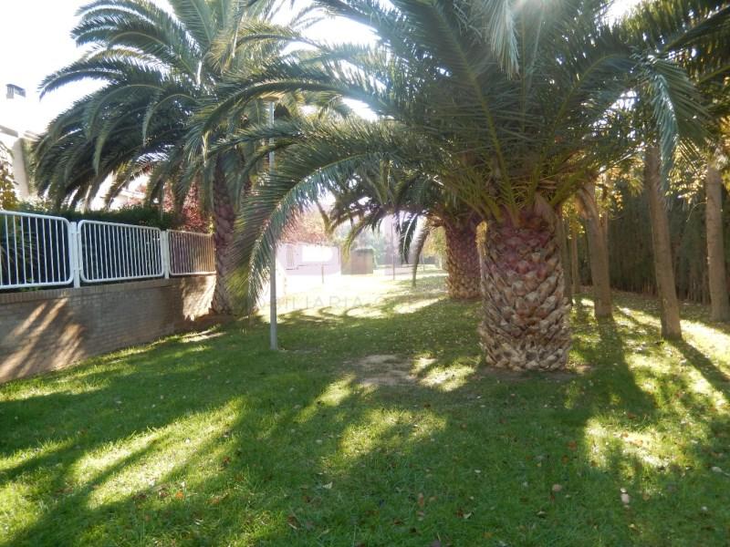 Casa en venta con 318 m2, 4 dormitorios  en Oliver-Valdefierro (Zarago