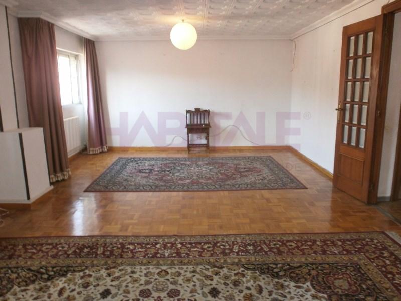 Piso en venta con 100 m2, 4 dormitorios  en Oliver-Valdefierro (Zarago