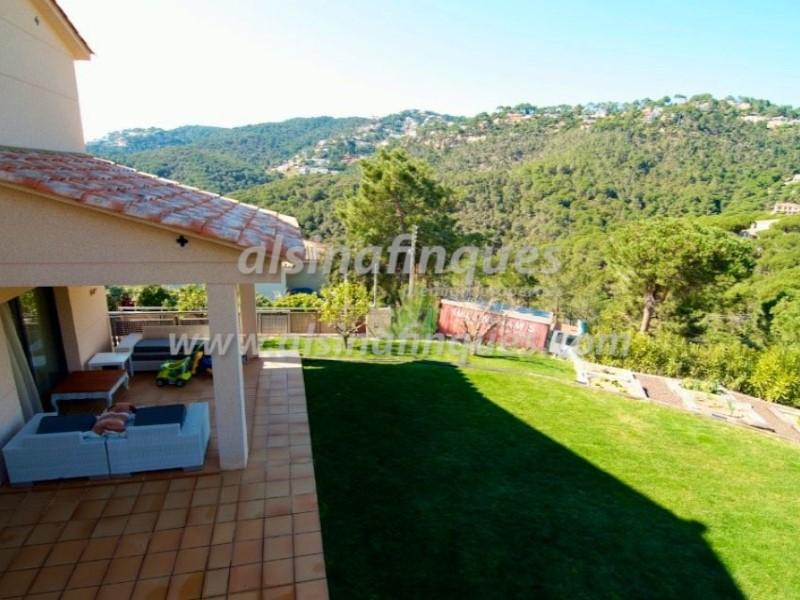 Casa en venta con 257 m2, 4 dormitorios  en Lloret de Mar, Font de San