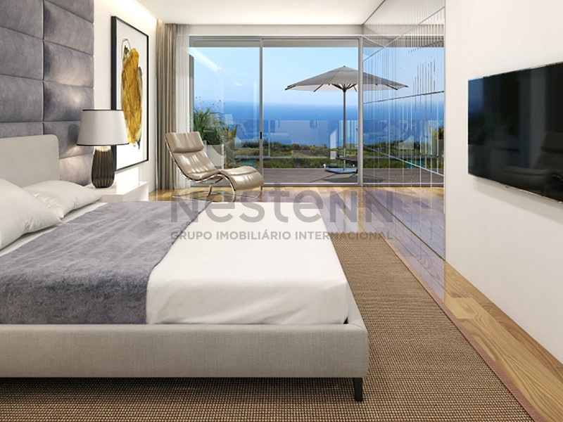 Apartamento T3 na Cobertura e Vista de Mar