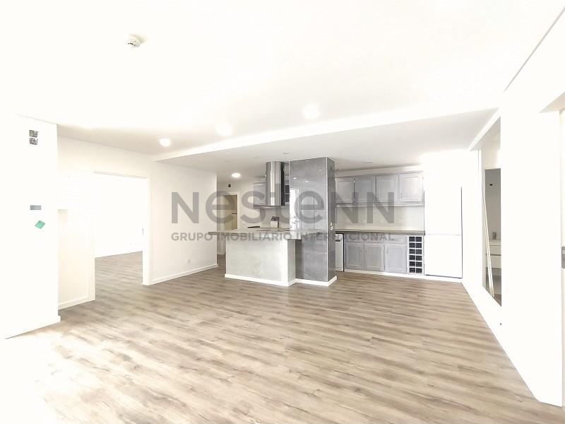 Bloco de apartamentos a 200m da praia - Investimento