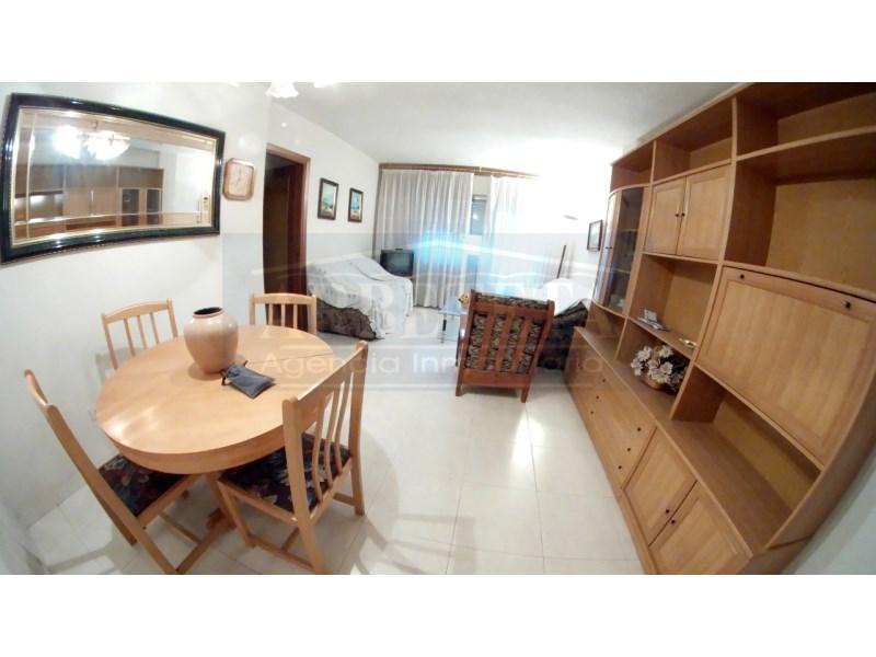 Piso en venta con 100 m2, 4 dormitorios  en Constitución-Balconcillo (