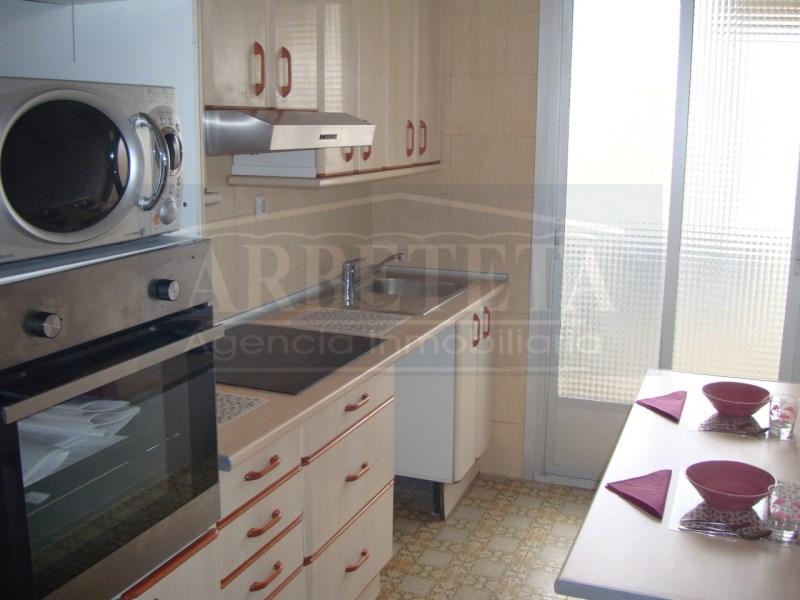 Piso en venta con 90 m2, 4 dormitorios  en Aguas Vivas, Las Lomas, Ala