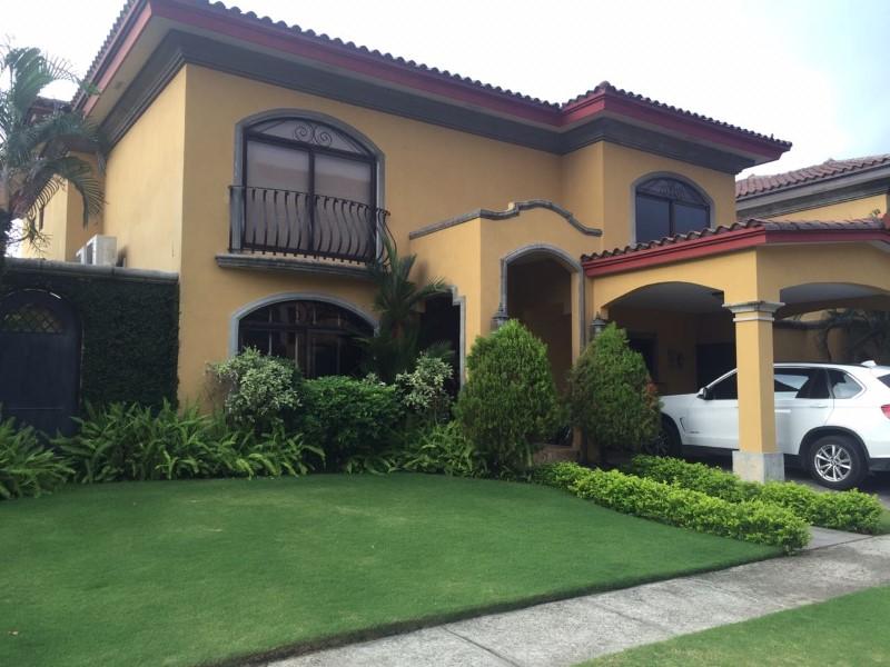 Venta de Casa 4 ambientes en Panamá Juan Díaz