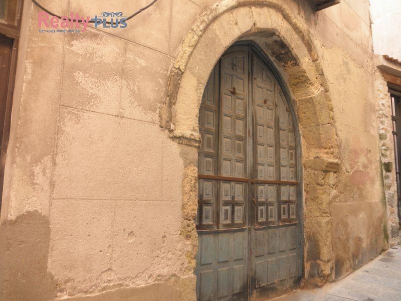 Casa en venta con 367 m2, 10 dormitorios  en Revenga (Segovia), Centro