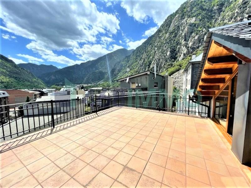Àtic amb gran terrassa a Andorra la Vella